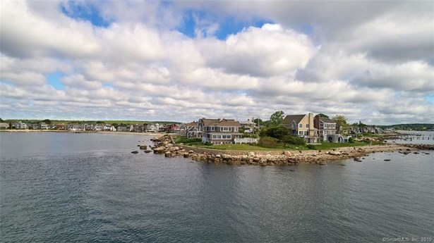 8 Clubhouse Point Road, Groton, CT - USA (photo 4)