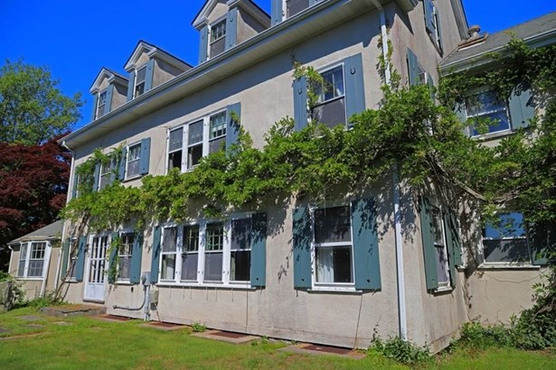 8 Ocean View Hwy, Westerly, RI - USA (photo 3)