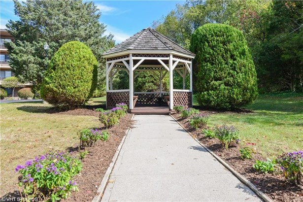 650 East Greenwich Av, Unit5-l10 5-l10, West Warwick, RI - USA (photo 4)
