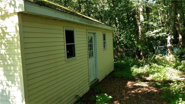 586 Old Colchester Road, Montville, CT - USA (photo 4)