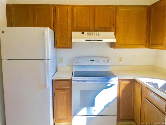 Condominium, Condo - Waterford, CT (photo 4)