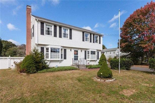 Single Family For Sale, Colonial - Old Saybrook, CT (photo 1)