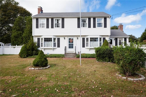 Single Family For Sale, Colonial - Old Saybrook, CT (photo 2)