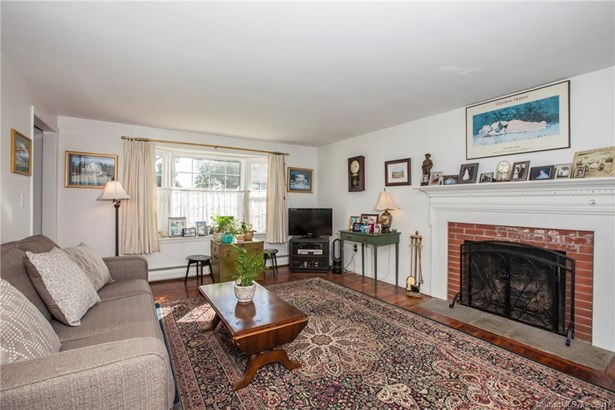 Single Family For Sale, Colonial - Old Saybrook, CT (photo 3)