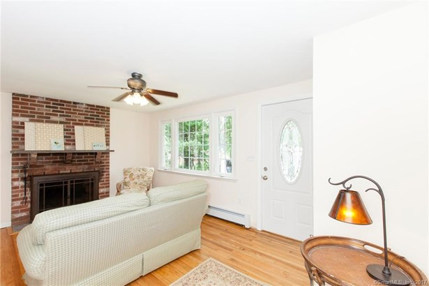 Single Family For Sale, Ranch - Haddam, CT (photo 4)