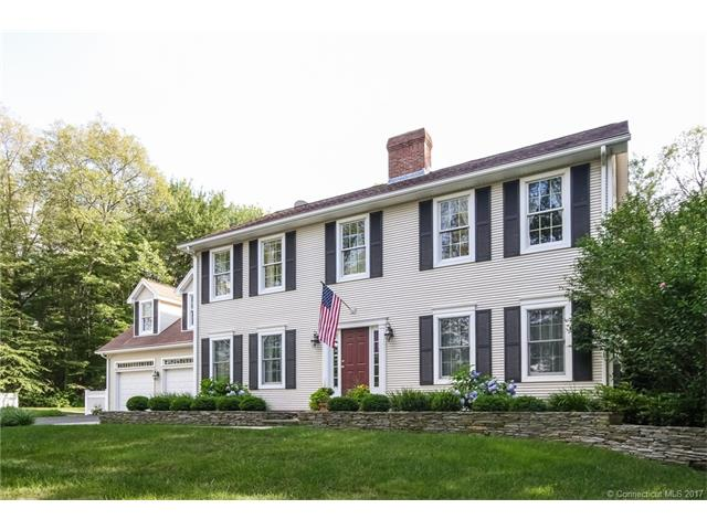 Single Family For Sale, Colonial - Middletown, CT (photo 1)