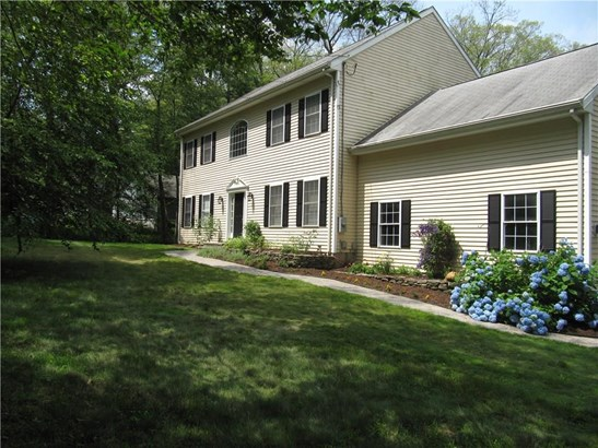 Single Family For Sale, Colonial - Haddam, CT (photo 1)