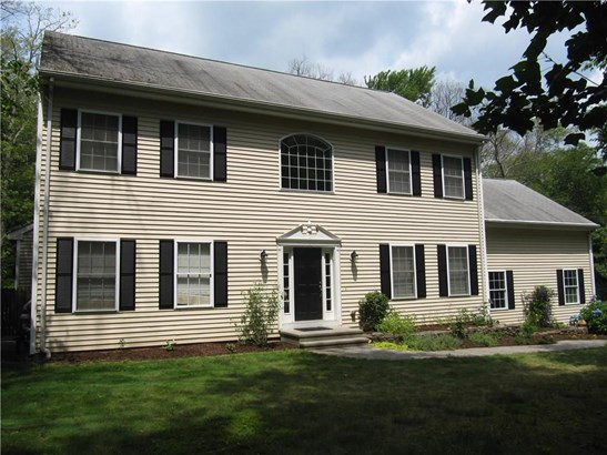Single Family For Sale, Colonial - Haddam, CT (photo 3)