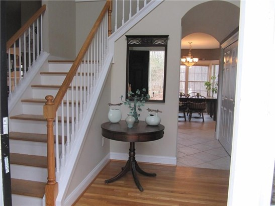 Single Family For Sale, Colonial - Haddam, CT (photo 5)