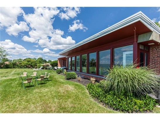 Single Family For Sale, Ranch - Stratford, CT (photo 2)
