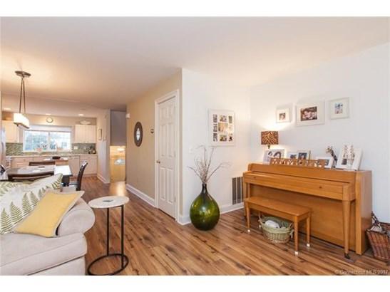Condominium, Condo,Townhouse - East Haven, CT (photo 5)