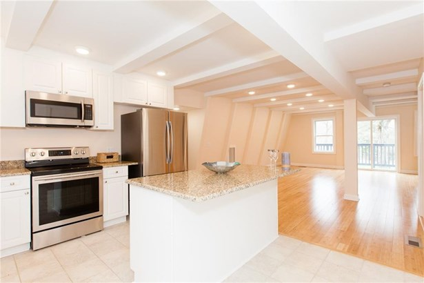 Single Family For Sale, Contemporary - Westbrook, CT (photo 1)