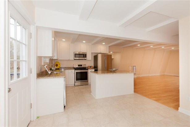 Single Family For Sale, Contemporary - Westbrook, CT (photo 4)