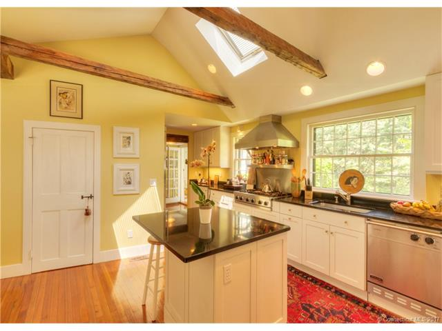 Single Family For Sale, Antique,Colonial - Hamden, CT (photo 4)