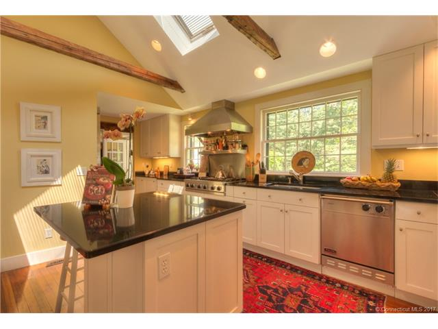 Single Family For Sale, Antique,Colonial - Hamden, CT (photo 5)