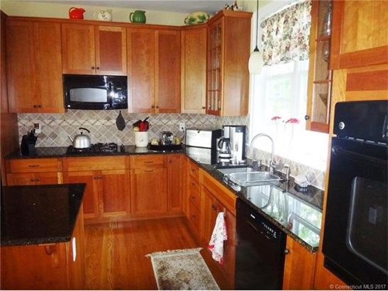 Single Family For Sale, Cape Cod - Old Saybrook, CT (photo 4)