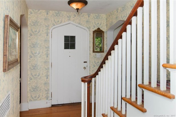 Single Family For Sale, Colonial - Orange, CT (photo 4)
