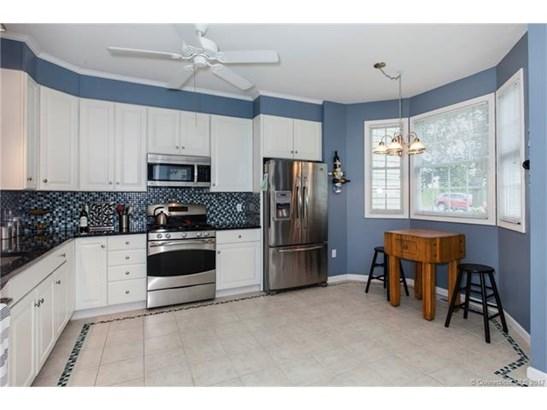 Condo,Row House, Condominium - Wallingford, CT (photo 4)