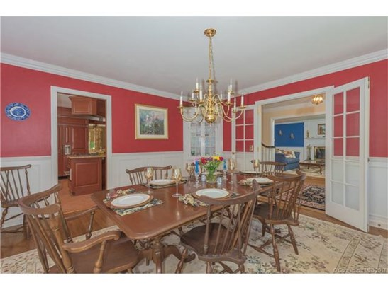 Single Family For Sale, Colonial - Old Lyme, CT (photo 4)