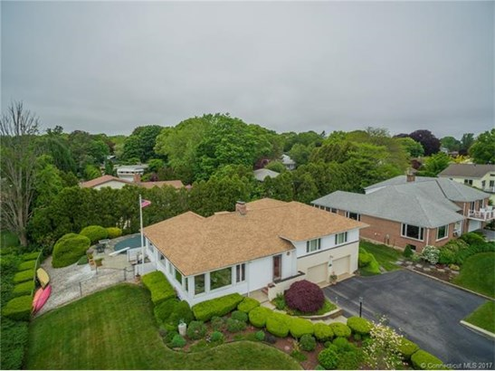 Single Family For Sale, Split Level - New London, CT (photo 4)