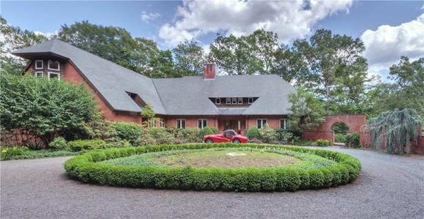 Single Family For Sale, Colonial,Tudor - Madison, CT (photo 1)