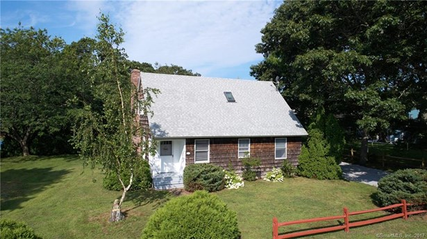 Single Family For Sale, Cape Cod - Old Lyme, CT (photo 2)
