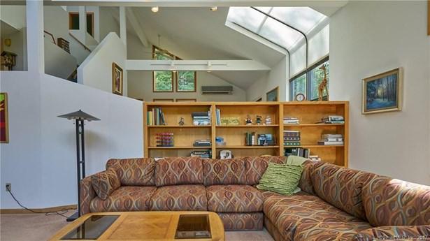 Single Family For Sale, Contemporary - Haddam, CT (photo 4)