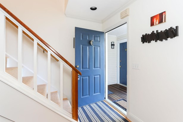 32 Alden Street 1, Provincetown, MA - USA (photo 4)