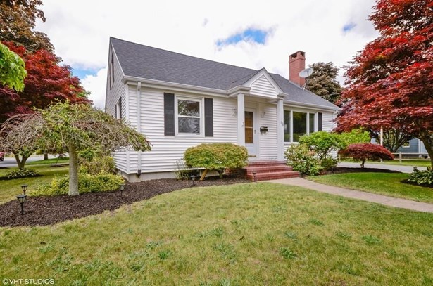 1039 Monmouth St, New Bedford, MA - USA (photo 1)