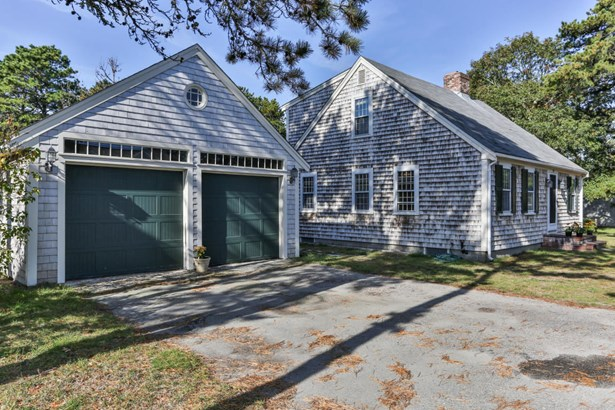 16 Pine Needle Lane, Harwich, MA - USA (photo 2)