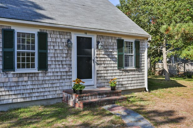 16 Pine Needle Lane, Harwich, MA - USA (photo 3)