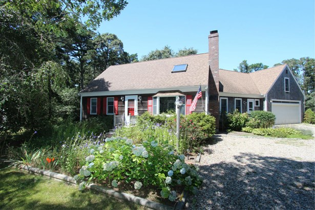 305 Satucket Road, Brewster, MA - USA (photo 1)