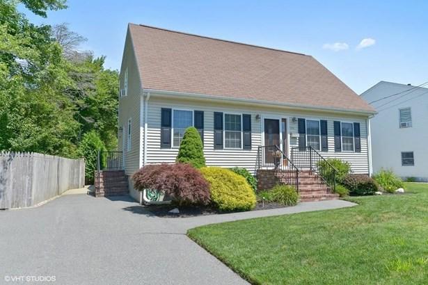331 Nemasket St, New Bedford, MA - USA (photo 1)