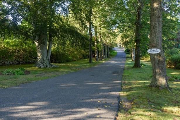 105 Pin Oaks Drive, Barnstable, MA - USA (photo 5)