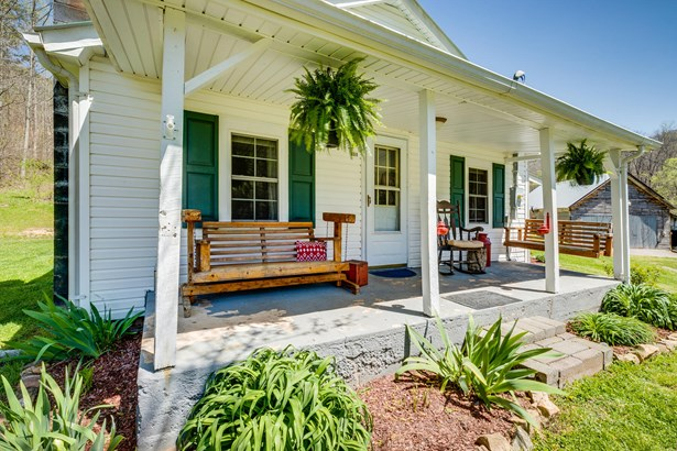 1 Story,Farm House, Single Family Residence - Rogersville, TN