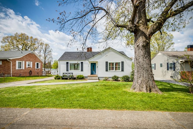 1 Story, Single Family Residence - Kingsport, TN