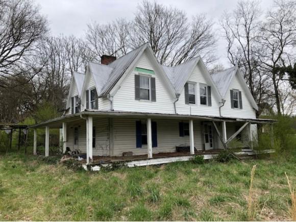 2 Story,Farm House - Mohawk, TN