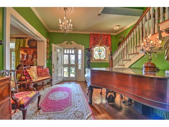 2 Story,Traditional,Victorian - Bristol, TN (photo 3)
