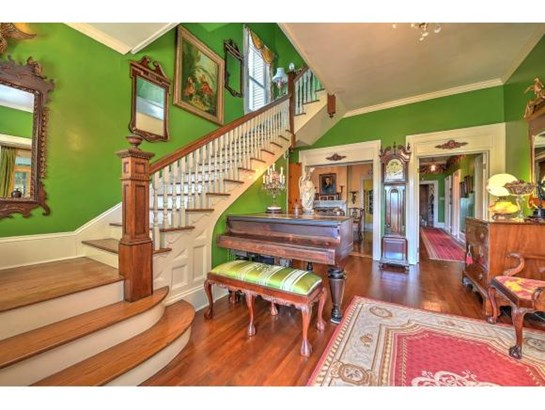 2 Story,Traditional,Victorian - Bristol, TN (photo 4)