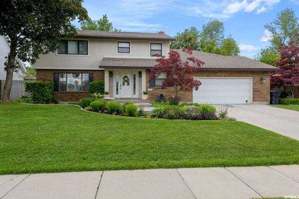 2-Story, Single Family - Cottonwood Heights, UT