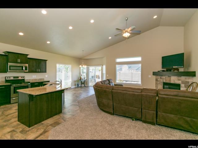 Rambler/Ranch, Single Family - Herriman, UT (photo 3)