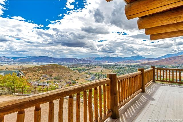"""Beautiful Log Home With """"I Think I'm In Heaven"""" Views!"""