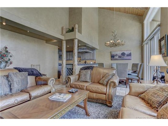Amazing Upper Deer Valley Townhome with Beautiful Mountain Views! (photo 3)