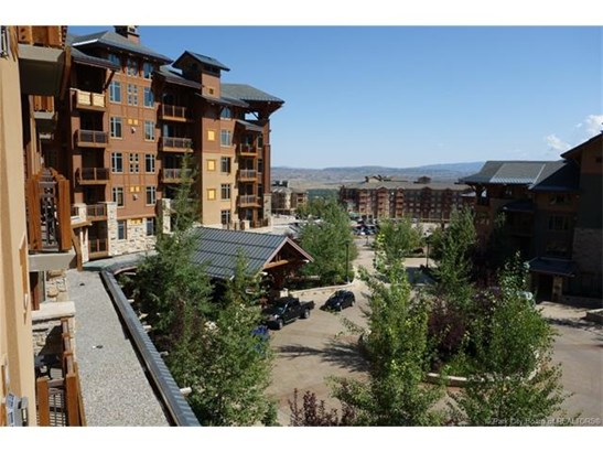 Canyons Village, Ski-in/Ski-out Luxury (photo 1)