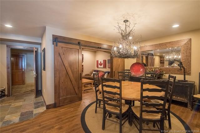 Watch the kids walk to ski school from this luxury Deer Valley ski condo! (photo 3)