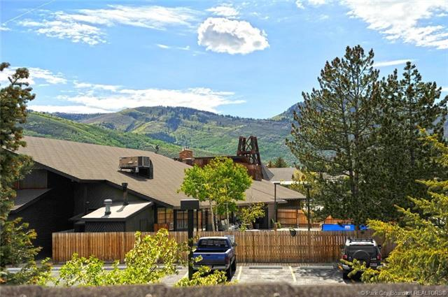 SELLER FINANCE Poss. VACANT~MARKET RATE UNIT, LOWEST priced Market Rate condominium on the Wasatch Back when listed 12/2017. Contact your agent to see this unit today. (photo 1)