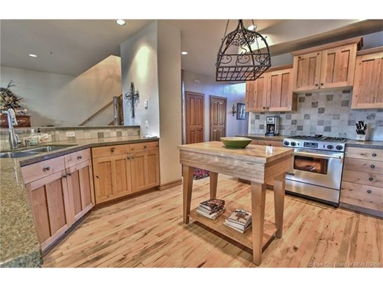 Park Meadows Townhome with Views of both Deer Valley & Park City Slopes (photo 5)