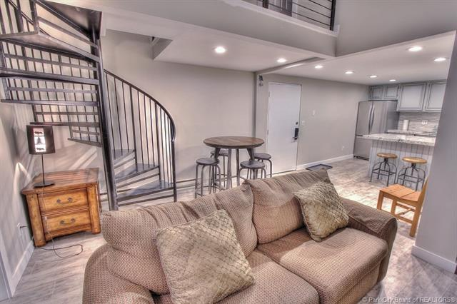 Rare Opportunity to Own a Top Floor Snowblaze Condo (photo 3)