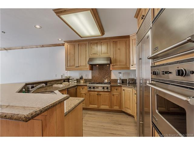 Rarely available, ski in/ski out condo in Deer Valley's Silver Lake Village. (photo 2)