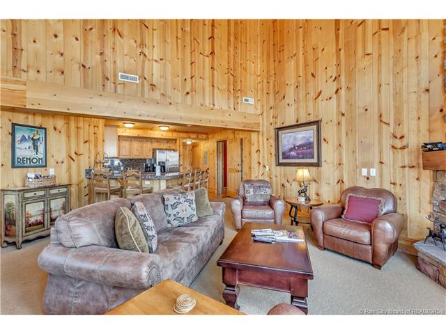 Perfect Turnkey Deer Valley Investment Property (photo 3)